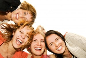 Group_of_happy_friends
